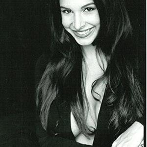 Mayra Veronica